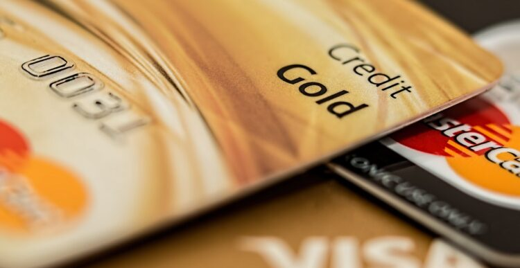 7 Big Credit Card Mistakes You Shouldn't Make
